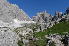 Centralnie Croda Rosa di Sesto od południa i przełęcz Sentinella