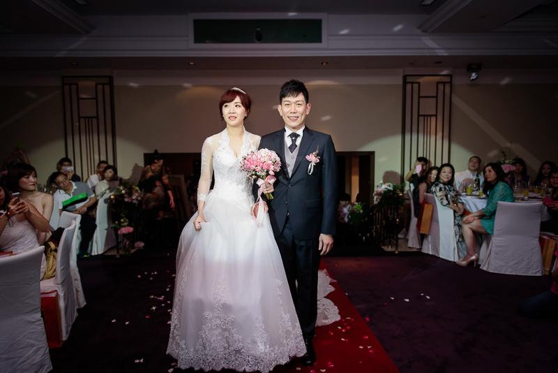 國賓婚攝,台北國賓,國賓飯店婚宴,新秘Miko ,婚攝小勇,台北婚攝, 愛瑞思新娘秘書造型團隊,西敏英國手工婚紗,小寶工作室-035