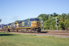 IMG_0070 A (mhellekjaer) Tags: 440 ohio berea csx locomotive gees44dc es44dc