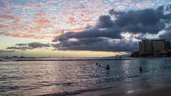 Green Sunset at Waikiki Beach (Oliver Leveritt) Tags: nikond7100 afsdxvrnikkor18200mmf3556gifed oliverleverittphotography hawaii oahu waikiki waikikibeach sunset greensunset
