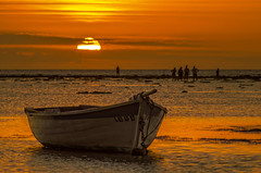 Sunset... Low Tide (Malaquin Eric ........ thanks for your visits & co) Tags: sea fishingboat silhouette mauritius ilemaurice indianocean atmosphere seascape sundown sunset sky sun clouds coucherdesoleil colors pentax ericmalaquin endoftheday lagoon lagon lowtide seaside goldenhours ocean water