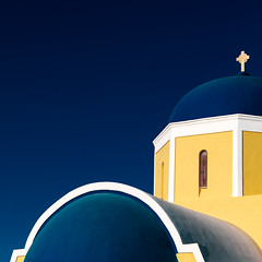 Oia Impressions #4 (One_Penny) Tags: aegean greece griechenland island santorin santorini canon6d travel blue yellow colors square squarecrop squareformat architecture church curves dome lines minimal negativespace cross religion building oia thira sky mediterranean contrast