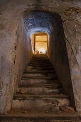 Escaleras a la bodega. Gaarul, Aragn, Espaa. (www.rojoverdeyazul.es) Tags: gaarul aragn espaa autor lvaro bueno escaleras steps bodega cellar zona rural rstico antiguo rustic ancient