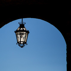 Lamp (Ged Slaughter Photography) Tags: taormina lamp arch gedslaughter sicilia sicily italy italia