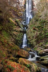 Pistyll Rhaeadr (midlander1231) Tags: llanrhaeadrymmochnant pistyllrhaeadr wales highestwaterfallinwales longwaterfalls britain uk outdoors walking autumn winter ice frozen water river waterfall waterfalls landscape waterscape