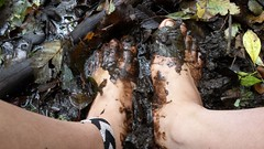 Muddy Feet (bfe2012) Tags: barefoot barefeet barefooting barefooted barefooter barefoothiking baresoles barefoothiker barfuss feet freedom forest lifestyle barefootlifestyle muddyfeet toes toughsoles soles dirtyfeet dirtysoles hiking swamp shoes stain myshoes woodland nature blacksoles
