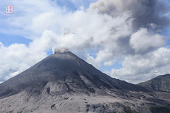 Mount Doom (Rhapsody-In-Blue) Tags: landscape volcano russia smoke wideangle aerial helicopter ash aerialphoto volcanic eruption volcan kamchatka kamtchatka stratovolcano volcanicash arien cendre photoarienne grandangle  ruption kamchatkapeninsula stratovolcan  joupanovski zhupanovsky   zhupanovski
