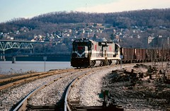 MGA 2302-2300, Brownsville, PA. 1-24-1990 (jackdk) Tags: railroad train railway locomotive ge mga monongahela monongahelariver b237r gelocomotive monongahelarailway geb2375