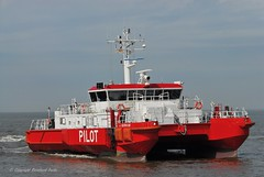 Pilottender Borkum (Bernhard Fuchs) Tags: water boot boat nikon meer ship ships vessel schiff pilot elbe schiffe cuxhaven lotse pilotvessel lotsenschiffe