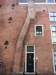 Crooked Chimney (indigo_jones) Tags: door windows chimney holland building brick netherlands architecture utrecht nederland ramen crooked gebouw smeestraat toudpothuis