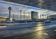 Arlanda Airport (Ana >>> f o t o g r a f  a s) Tags: airport europa europe sweden stockholm schweden sverige scandinavia sthlm aeropuerto hdr estocolmo stoccolma suecia arlanda flygplats escandinavia tonemapped geo:country=sweden geo:region=europe potd:country=es hdrworldsweden aeropuertodearlanda