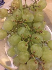 Grapes For Tea (Smabs Sputzer) Tags: apologies poet ivor cutler green white grapes