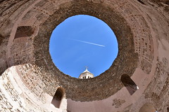 (YazzyH) Tags: split croatia plane sky blue fortress circle round tower church kula tvrdava oldcity citywalls dome