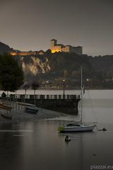 Lungolago Arona 26.10.16-0005 (Maurizio Piazzai) Tags: arona castellodiangera lago lagomaggiore lungolago