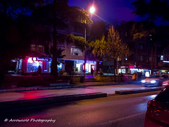 Night Scene (Oktay A) Tags: nightscene lowlight street streetphotography istanbul turkey turkei nokia lumia 1020 sky parliamentblue