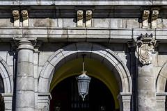 Madrid, Plaza Mayor (ipomar47) Tags: madrid espaa spain pentax k3ii plazamayor arco arch arquitectura architecture farol farola streetlight streetlamp lamppost