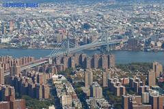 New York and another of its famous bridges - The Brooklyn Bridge (ssspnnn) Tags: bridge ponte puente brooklyn newyork nyc newyorkcity architecture canoneos70d spnunes snunes nunes spereiranunes eua eeuu usa unitedstates