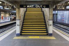Arnos Grove station, Bowes Road, N11 (Tetramesh) Tags: tetramesh london england britain greatbritain gb unitedkingdom uk tfl londontransport transportforlondon londonunderground lu tube thetube metro