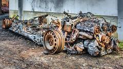 tiefer gelegt (Norbert Helbig) Tags: schrott wrack nikon d7200 outdoor auto automobil industrie verkehr fahrzeuge technik