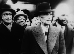 Jinnah arrives in London (Doc Kazi) Tags: pakistan india independence negotiations ceremonies jinnah gandhi nehru mountbatten viceroy wavell stafford cripps edwina fatima muhammad ali