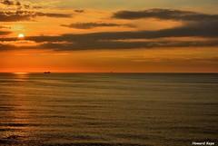21:17 (Howard P. Kepa) Tags: costa atardecer mar cielo puestadesol