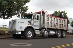 Bandit Trucking KW T800W dump (1) (RyanP77) Tags: truck hawaii diverse trucker dump maui off pete roll trucks tri heavy trucking kw peterbilt kenworth axle 377 389 808 dumper hauler t800