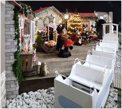 DSCI8473_ShiftN (aad.born) Tags: christmas xmas weihnachten navidad noel  tuin engel nol natale  kerstmis kerstboom kerst boi kerststal  kribbe versiering kerstshow  kerstversiering kerstballen kersfees kerstdecoratie tuincentrum kerstengel  attributen kerstkind kerstgroep aadborn nativitatis