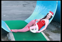nEO_IMG_DP1U6323 (c0466art) Tags: christmas portrait water girl beautiful smile museum canon garden happy student friend close julia outdoor gorgeous elena taipei cloth charming russian 1dx c0466art