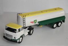 Dinky Toys 887 Unic semi remorque Air BP (gueguette80 ... Définitivement non voyant) Tags: france cars scale truck toy toys miniature semi camion autos bp jouet sncf dinky echelle 113 unic diecast remorque pampam