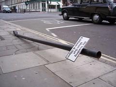 No loading - Cycling (trepelu) Tags: london islington noloading knockedover bentsign moweddown cycliststop