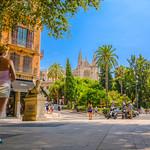 Cathedral 'La Seu' and view of Palma De Mallorca thumbnail