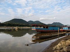 "Luang Prabang: au pied du Mékong <a style=""margin-left:10px; font-size:0.8em;"" href=""http://www.flickr.com/photos/127723101@N04/23849862522/"" target=""_blank"">@flickr</a>"
