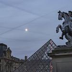 Louis XIV devant la pyramide thumbnail