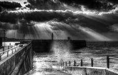 Margate Harbour (nigdawphotography) Tags: margateharbour margate kent sea spray water wave waves sun sunlight rays