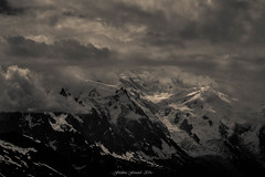 Tourmente en Altitude (M) (Frdric Fossard) Tags: grain texture nature lumire ombre atmosphre ambiance dramatique altitude hautemontagne hautesavoie alpes massifdumontblanc chamonix montblanc aiguilledumidi dmedugoter aiguillesdechamonix glacier neige tourmente orage flancdemontagne