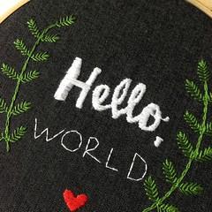 Hello, world! (Carol Grilo • FofysFactory®) Tags: bordado embroidery carolgrilo fofysfactory handmade craft brasil hello jeans quadrinho hoop bastidor decor decoração