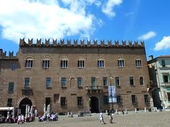 Piazza Sordello, MAntua (Kevin J. Norman) Tags: mantua lombardy piazzasordello