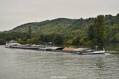 Centaure & Minotaure (pontfire) Tags: péniche automoteur seine fleuve river transport france normandie normandy bateau ship boat