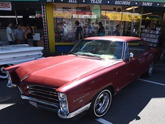 1966 Pontiac Parisienne 4-door hardtop (D70) Tags: show door canada hardtop car automobile bc good 4 columbia 1966 british times pontiac langley parisienne 2015 4door cruisein