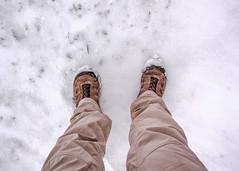 Hombre de nieve (ahenaol) Tags: snow latinamerica southamerica argentina ushuaia nieve latinoamerica fuego botas tierra suramerica