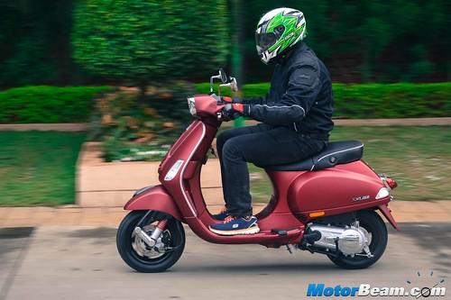 Piaggio-Vespa-150-13
