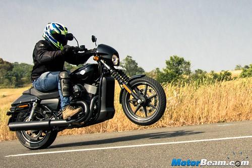 2016-Harley-Davidson-Street-750-02