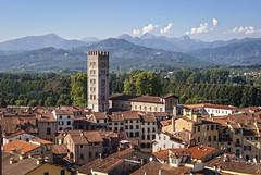 lucca-italy-skyline