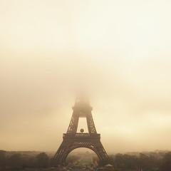 la Tour Eiffel (PATRYCJA BLAZEJEWSKA) Tags: paris france tower tourism fog tour symbol eiffel brume bruyard