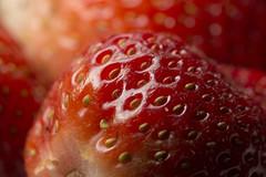 Strawberry macro 02 (haqiqimeraat) Tags: light macro closeup diy strawberry nikon vibrant flash strawberries flashphotography colourful tamron 90mm vibrance enlighten d7100
