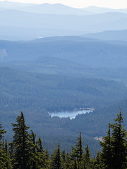 trillium lake from afar (dolanh) Tags: trees lake mountains hiking trilliumlake paradisepark timberlinetrail mthoodwilderness