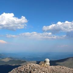 Meyer-Womble Observatory (JiggieSmalls) Tags: top high mountain rocky rock cloud bluesky blue meyerwombleobservatory mtevans colorado
