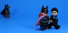 Spying (MrKjito) Tags: lego minifig batman dc comics super hero nightwing batgirl bruce wayen dick grayson barbra gordon side kick family spy protecting date romance