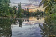 Abendstimmung (A.B. Art) Tags: wien wolken water wasser wasserpark vienna abart austria starburst911 clouds cloudy wolkig bume trees spiegelung reflection colors farben hdr