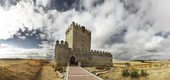 Castillo de Tiedra (hector =D) Tags: montes torozos castilla castillo valladolid viaje otoño fall castle midleage edad media siglos xii xiv